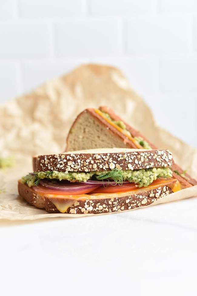 2-Minute Avocado Pesto Sauce Sandwich