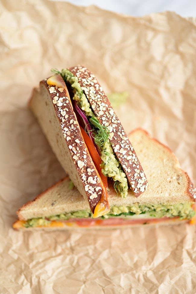 2- Minute Avocado Pesto Sauce Sandwich