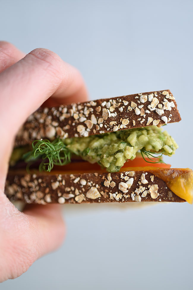 2- Minute Avocado Pesto Sauce Sandwich