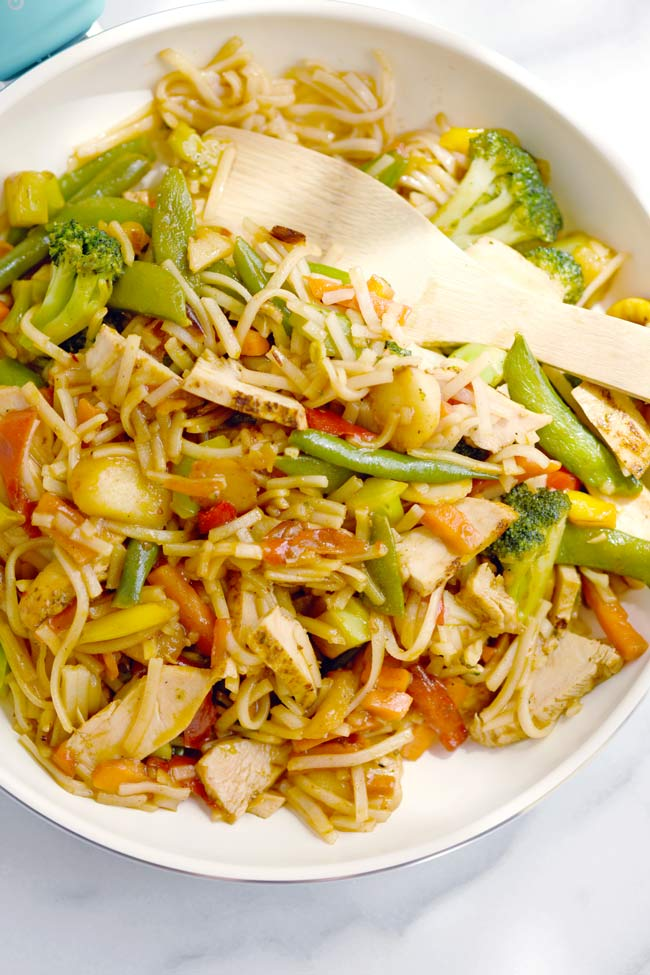 Easy Chicken Stir Fry (5 Ingredients)