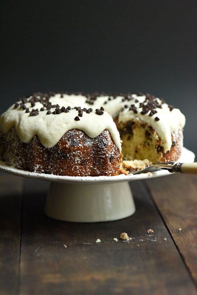 Cannoli Cake on Cake Stand