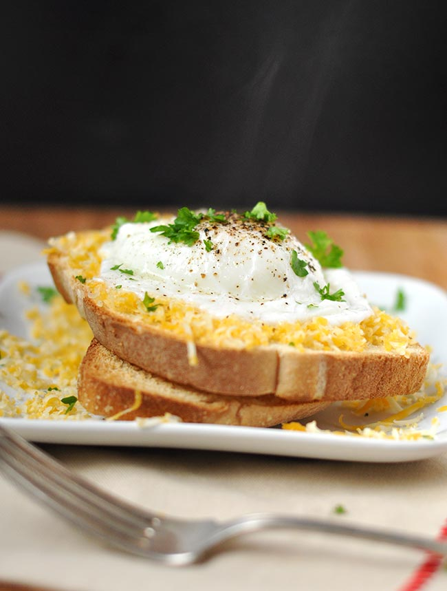 Easy Poached Eggs using Mason Jar Ring | The Mighty Mrs.