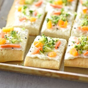 Everything Bagel Veggie Pizza Party Appetizer