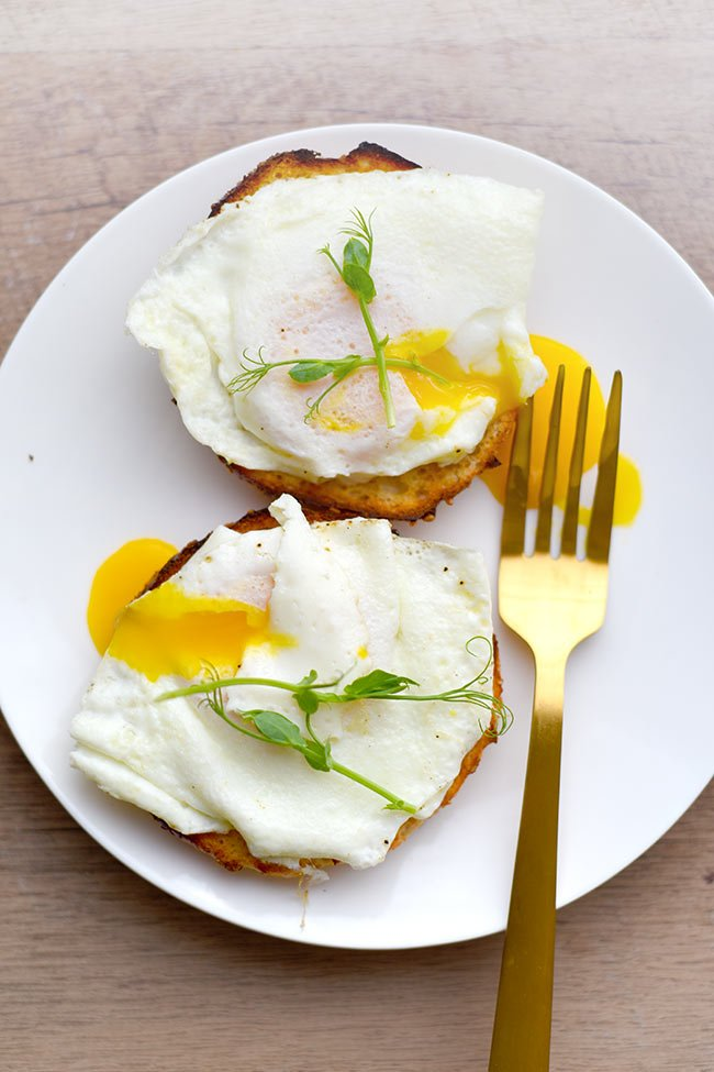 Easy Poached Eggs using Mason Jar Ring