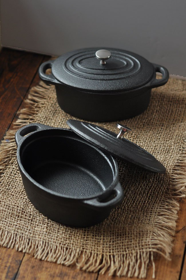 mini-cast-iron-dutch-oven