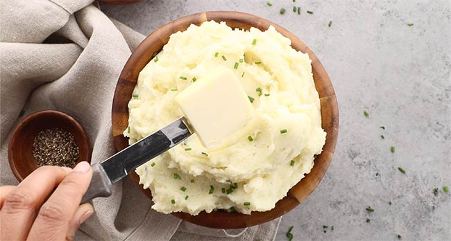 Buttery Sour Cream and Chives Whipped Potatoes