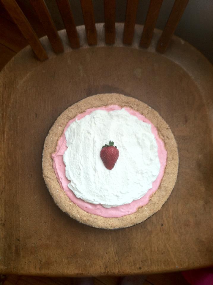 Strawberry-Banana Pretzel Pie